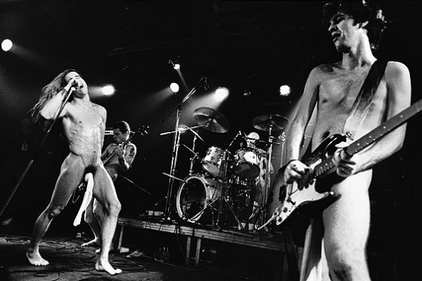 002red_hot_chili_peppers_595
