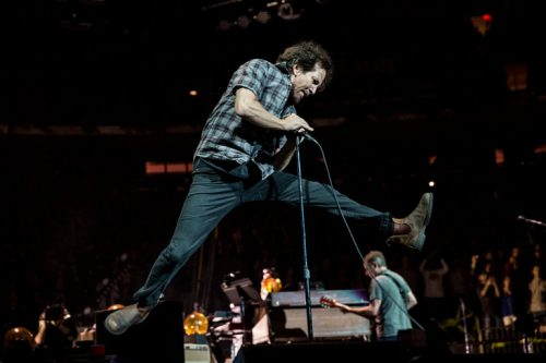 Vedder en el concierto de Pearl Jam del pasado domingo en el Madison Square Garden. Foto: Chad Batka/The New York Times.