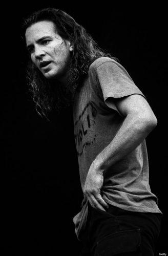 Eddie Vedder en el Pinkpop Festival en junio de 1992. Foto: Paul Bergen/Redferns
