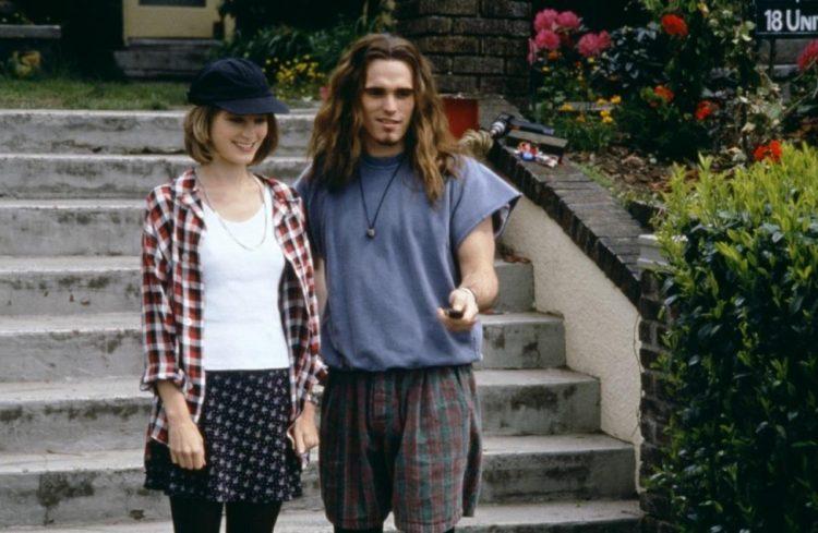 Bridget Fonda y Matt Dillon en la película Singles