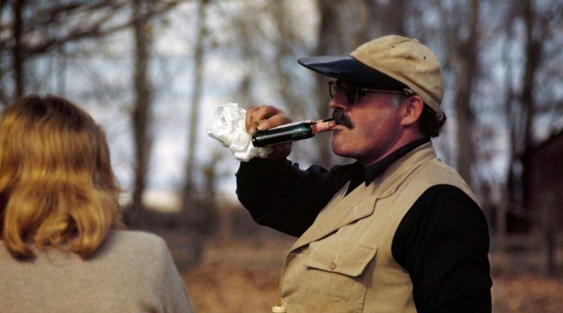 Ernest Hemingway retratado por Capa