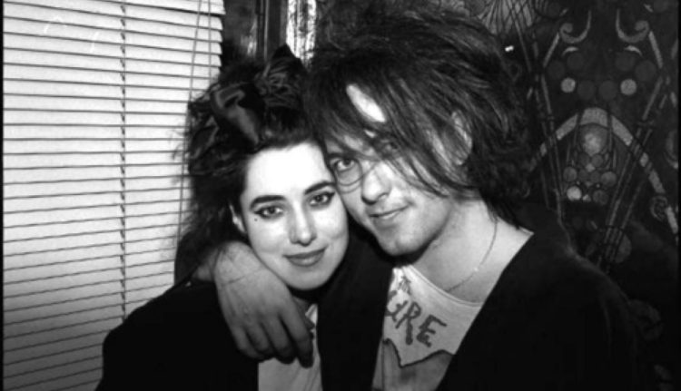 The Cure Robert Smith novia Mary Poole